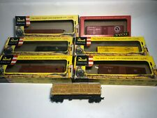 Lot of 7 Various HO Scale Revell and Mantua Railroad Freight Cars