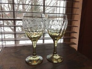 2 Stunning Vintage Yellow Optic Etched Gold Trim Water Wine Glasses