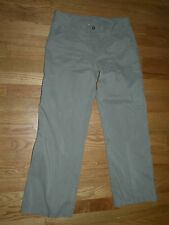 The North Face beige pants capri size 4 polyester breathable pockets lightweight