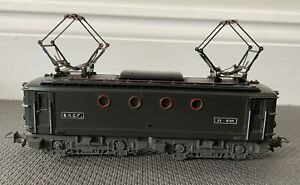 LOT-1: VINTAGE SNCF MECCANO HORNBY acHO S.N.C.F BB-8144... SUPERB CONDITION