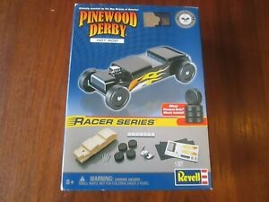 REVELL Official BSA Pinewood Derby Car Kit - RACER SERIES - HOT ROD - SEALED NOS