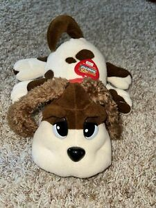 2000 Galoob Pound Puppies Barks, Whines Pants Puppy Dog With Collar