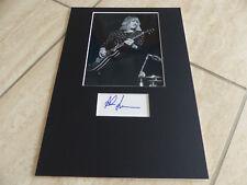 RUSH Alex Lifeson signed Autogramm in 20x30 cm Passepartout InPerson LOOK
