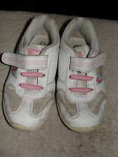 GIRLS TRAINERS - SIZE UK C8