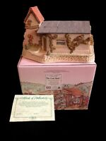 David Winter Cottages The Coal Shed 1989 Collectors Guild Piece #6 Retired-Boxed