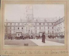 DIJON 1902 - Calèches  Hôtel de Ville  Côte d'Or - Phn46