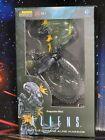 "Hiya Aliens Battle Damaged Aline Warrior 4"" Action Figure Previews Exclusive New"