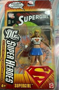 2006 Supergirl and Superman DC Super Heroes Action Figure w Comic Book