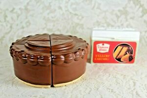 VINTAGE FISHER PRICE DUNCAN HINES CAKE MIX & YELLOW CAKE w/  CHOC Frosting