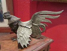 ancien coq en metal patiné deco table