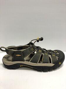 Keen Men's Newport H2, Fisherman Sandals, Size 8.5M.