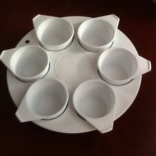 Betterware Microwave Egg Poacher/Cup Cake Maker in White Six Cups