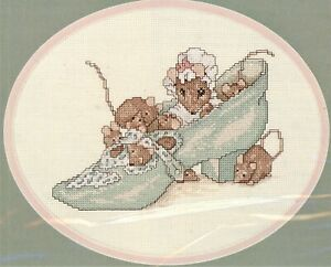 """Beatrix Potter """"The Old Woman Who Lived in a Shoe X-stitch Kit, Retail $13"""