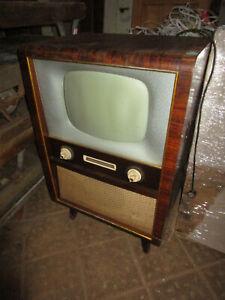 Antiquität RFT Rafena Fernseher Forum FE863 A - Gerät funktioniert! um 1963