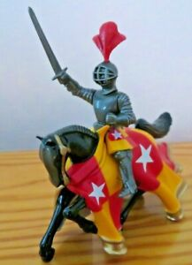BRITAINS metal KNIGHTS OF AGINCOURT Mounted Knight with Sword
