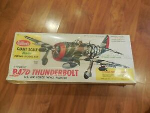 NEW Sealed Guillow's P-47D Thunderbolt Giant Scale Balsa Flying Model Kit 1001