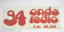 ADESIVO RADIO anni '80 / Old Sticker ONDA RADIO 94 - FM 88.500 (cm 16 x 6) rosso