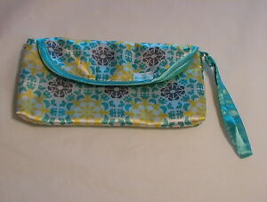 Pampers Diaper & Wipes Pouch Clutch Small Mini Travel On The Go Wristlet