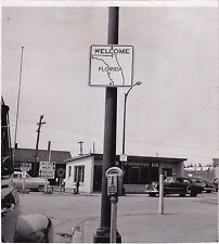 EAGLE RIVER FLORIDA Signs Cars Meter VINTAGE Classic Iconic 1953 press photo