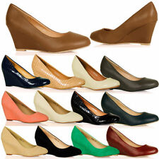 Narrow (2A) Court Shoes for Women