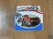 1 PLASTIC MODEL TRIUMPH SUPER SPORT MOTORBIKES WITH BOX,MOTORCYCLE,MOTORRAD,MOTO