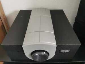 Runco Q750i High End 1080p DLP Beamer Projektor neuwertig