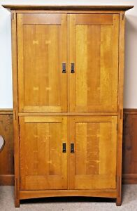 STICKLEY Mission Oak Arts & Crafts TV Armoire