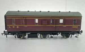 Dapol HM002A LMS 6-Wheel 'Stove R' Full Brake Coach 32919 LMS Lined Maroon