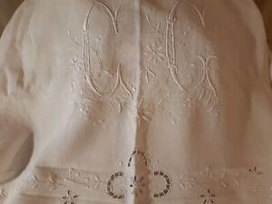 ancien drap pur lin XIX ème ,très grand monogramme XIX ème