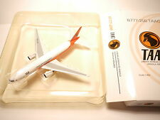 Boeing 777-200 TAAG/Linhas Aereas Angola Airlines/d2-ted Phoenix 1:400 Boxed