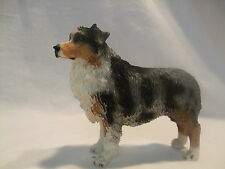 Statue de collection CANINE KINGDOM  - Chien  BERGER AUSTRALIEN BLEU MERLE