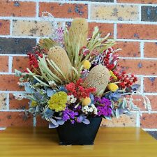 Dry Flower Arrangement (Vacationing from 20/12/2017 to 01/01/2018.)