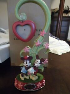 DISNEY MICKEY AND MINNIE MOUSE VALENTINE'S DAY HANGING PICTURE PHOTO FRAME NEW