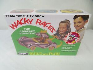 1:25 Wacky Races: Compact Pussycat Figure Snap MPC Model Kit Penelope Pitstop
