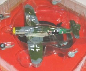 me-109k MESSERSCHMITT BF 109K-4  Red 7 fighter WWII 1:72 diecast IXO 1:72 metal