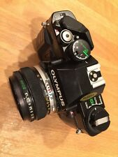 Olympus OM40 35mm SLR Film Camera con Zuiko Auto-S 50mm f1.8 Lens
