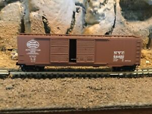 N scale Micro trains 50' double door boxcar NYC NEW YORK CENTRAL NIB