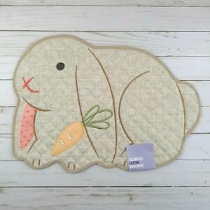 Placemat Centerpiece Bunny Beige Quilted 13x18