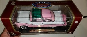 Road Legends 1:18 Scale 1955 Ford Fairlane Crown Victoria 1955 PINKIE