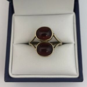 Unusual 9ct Gold & Cherry Amber Ring.  Size O1/2.  Sheffield 1989.