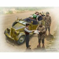 HITCHING A RIDE, US PARATROOPERS AND CIVILIANS WITH CAR 1/35 MASTER BOX 35161 DE