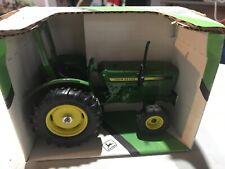 John Deere Compact Utility Tractor 1/16 Die Cast, Ertl #581