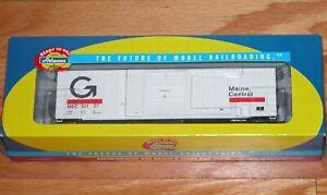 ATHEARN 92518 50' FMC BOX CAR GUILFORD MAINE CENTRAL MEC 32127