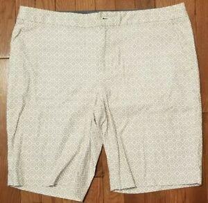 Banana Republic Hampton Fit khaki shorts womens size 14 tan and white print