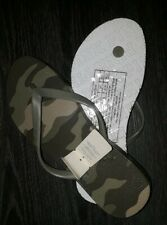 Victoria secret pink camo flip flops BRAND NEW SIZE small (5/6)