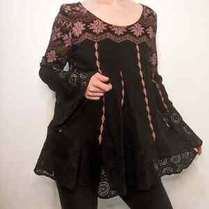 Entro Lace Bell Sleeve Tunic Blouse Med