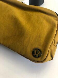 Lululemon Everywhere Belt Bag Gold Spice LW9CKKS One Size (0155)