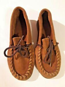 Minnetonka Kilty Hardsole Moccasin Shoe -  Size 2 - Dusty Brown