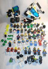 LEGO® Astronauten mit viel Zubehör  - 47 Minifigs Figuren und ein Raumschiff
