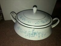 Noritake China Carolyn Pattern #2693 Round Covered Vegetable WITH LID